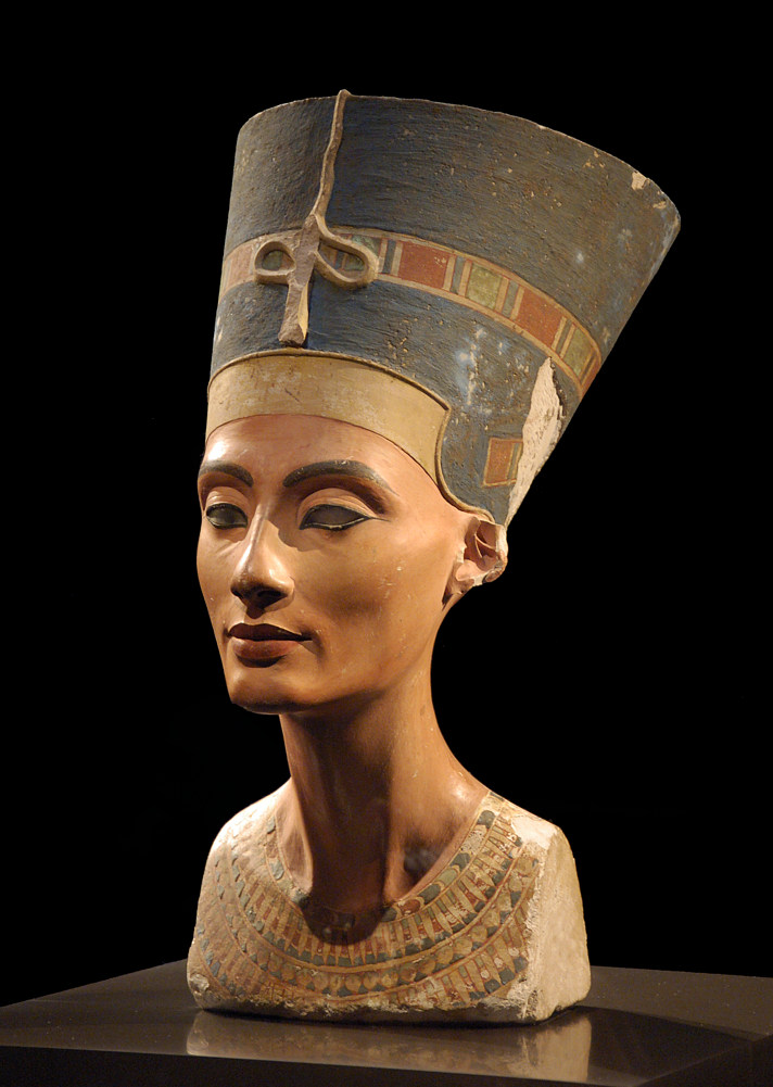 Iconic bust of Nefertiti